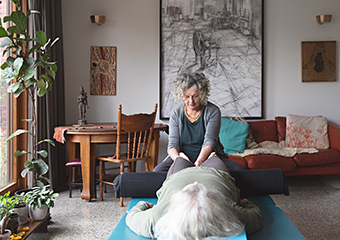 Holly Huon therapist on Natural Therapy Pages