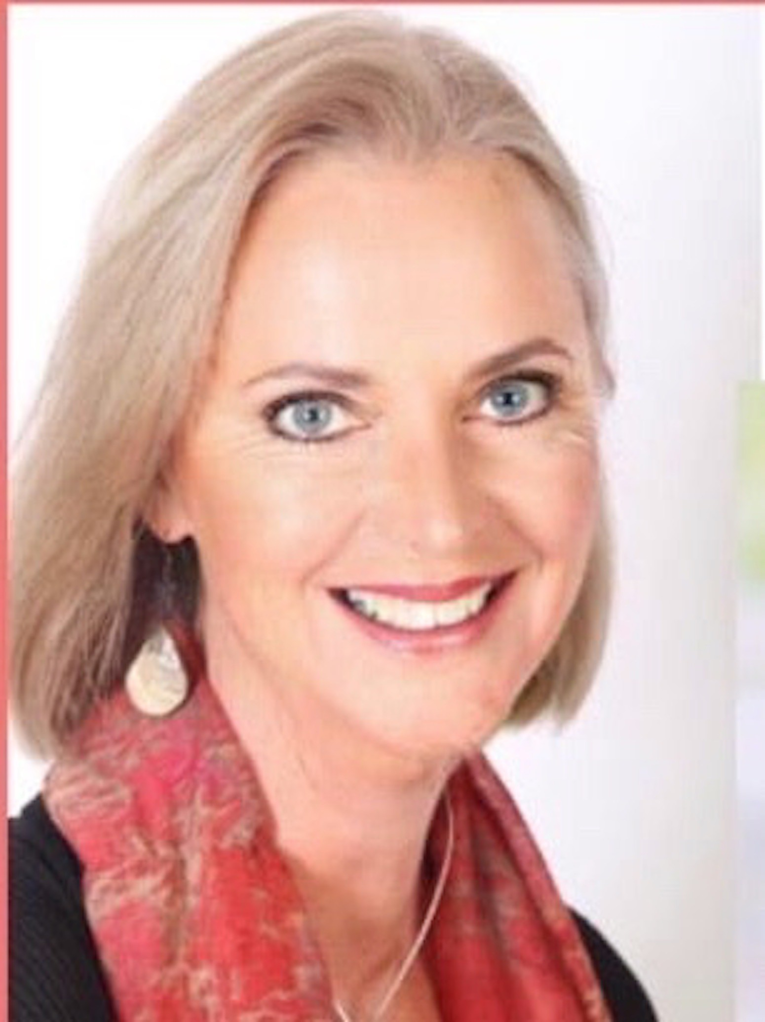 Danielle Aitken therapist on Natural Therapy Pages