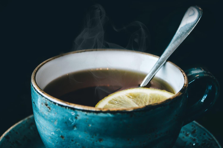Drinking ginseng tea with lemon
