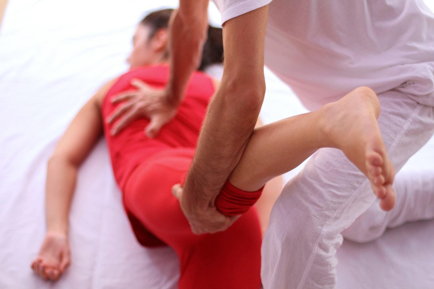 What is Shiatsu Massage Therapy & How to Do Shiatsu Massage?