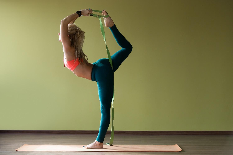 What is Iyengar Yoga & Its Health Benefits?