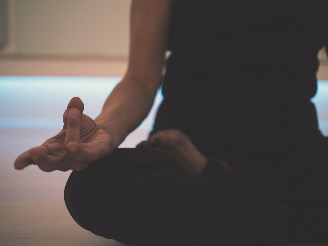 What is Kundalini Yoga & What are the Benefits of Kundalini Yoga?