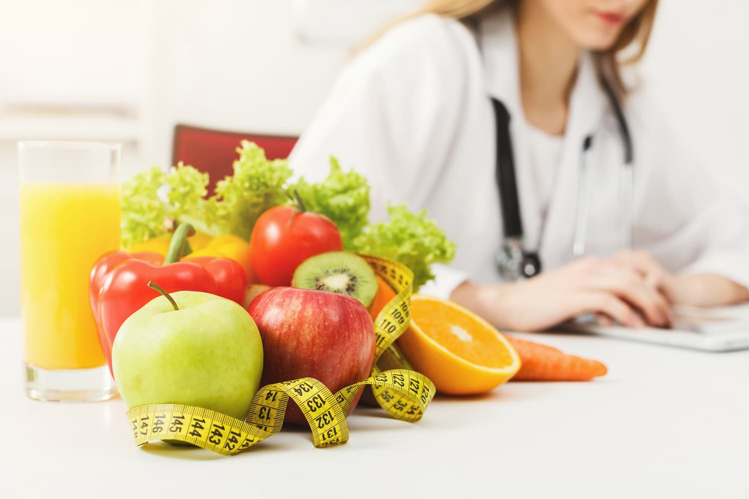What is a dietitian?