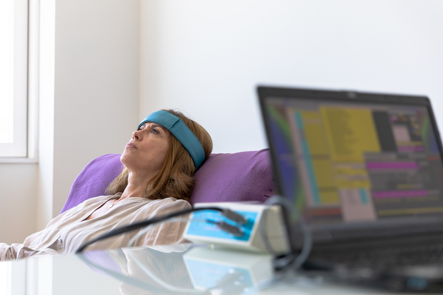 What is Biofeedback Therapy & What Does Biofeedback Do?